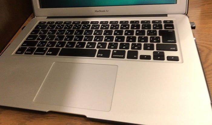 2012年生まれの愛機MacBook Airのキーボード部分の画像イメージ