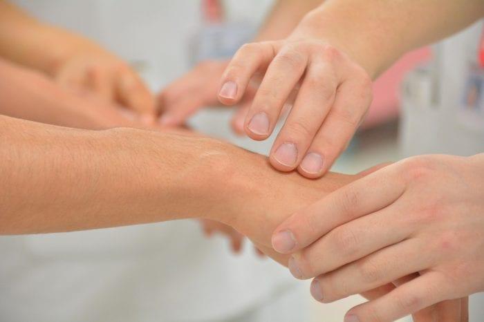 ヘルペスを治療する方法のイメージ画像