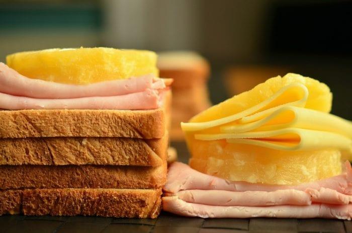 シンプルでかんたん!チーズトーストの材料